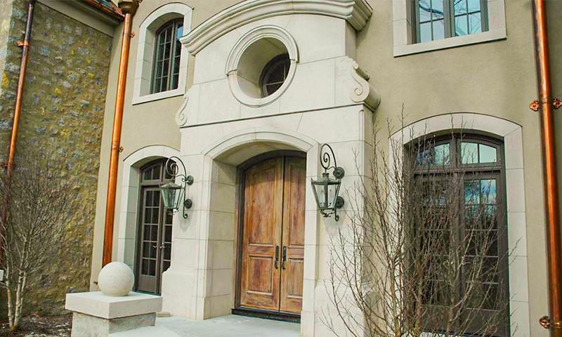 Custom Moscato Creme Limestone Entranceway