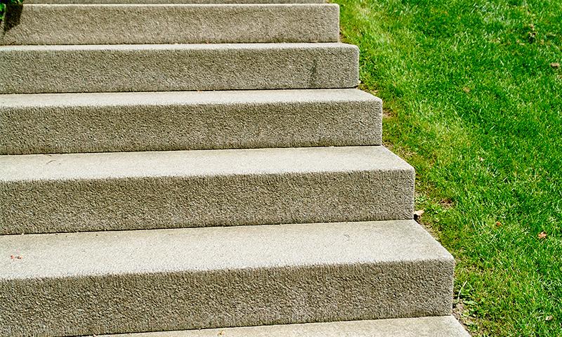 Sandblasted Indiana Limestone Treads