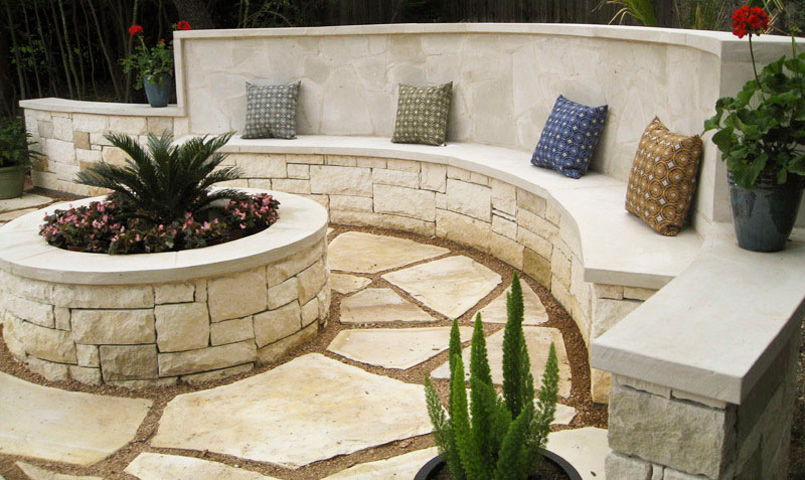 Beignet Limestone Veneer with Beignet Limestone Seat and Wall Cap