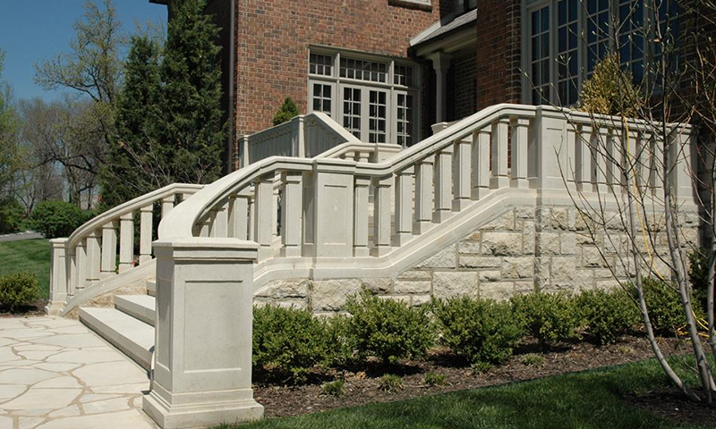 Balustrade System On Steps