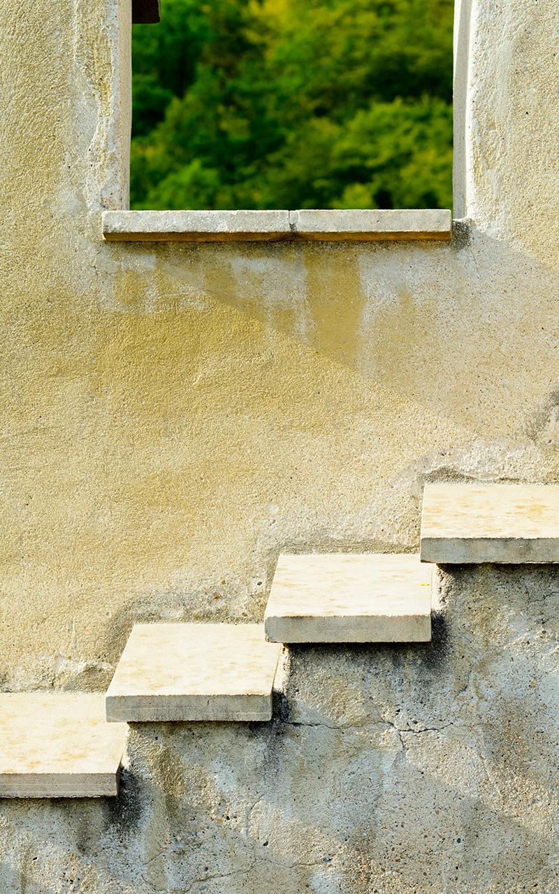 2in Square Edge Beignet Limestone Step Treads