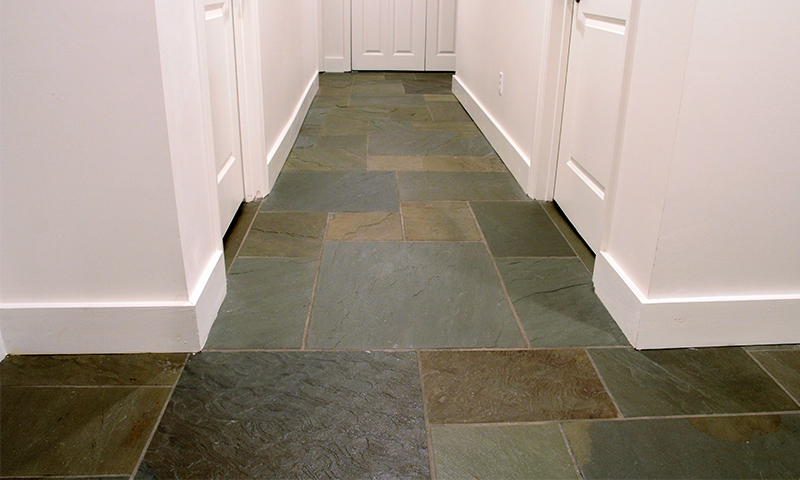 Sealed Full Color Range Natural Cleft Pennsylvania Bluestone Interior Flooring