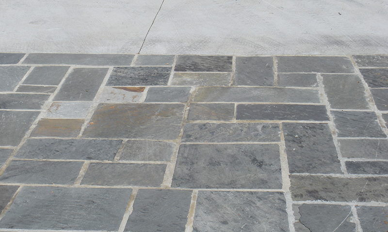 Snapped Blue Grey Random Pattern Sandstone Flooring