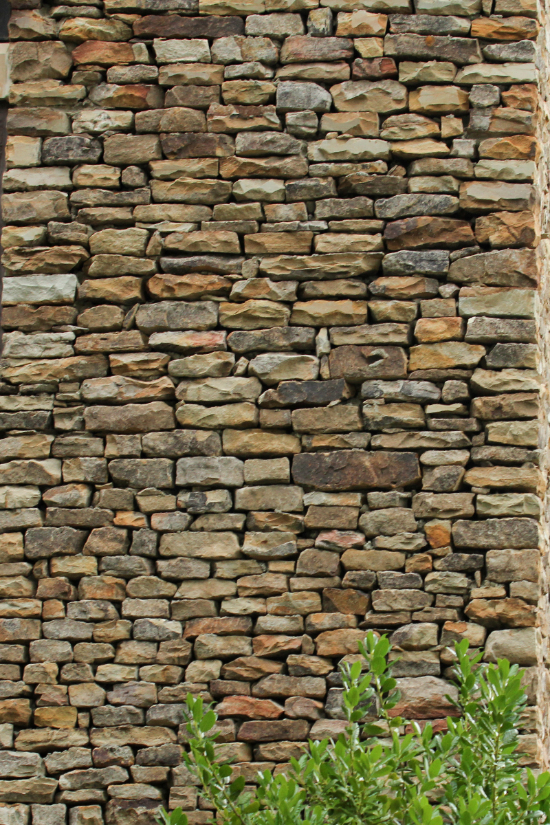 Thin and Medium Stack Moss Rock (Fieldstone) Dry Stacked