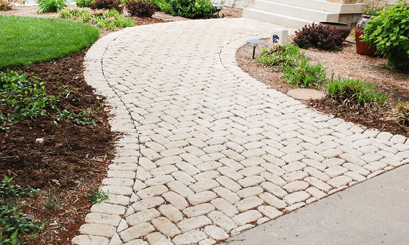 Tumbled Indiana Limestone Cobblestone Walkway and Border