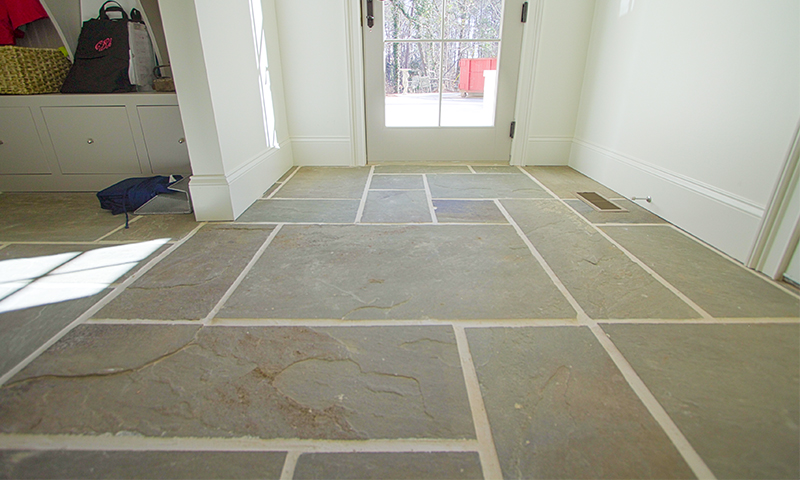 5bf unsealed full color range natural cleft pennsylvania for Bluestone flooring