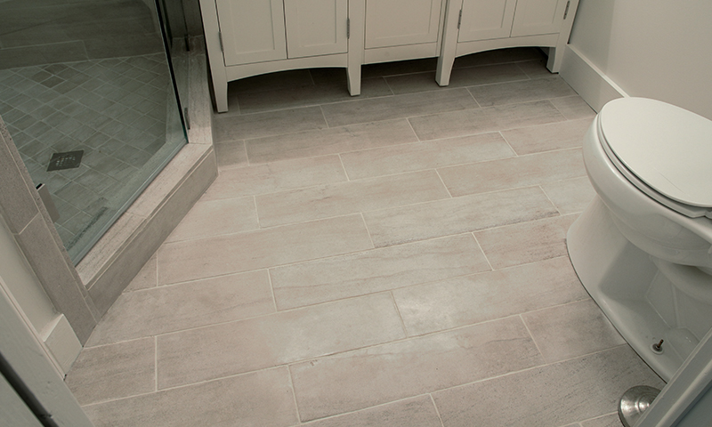Vein Cut Honed Alabama Limestone Flooring Laid In A Running Bond Pattern
