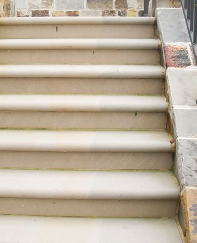 Bullnosed Indiana Limestone Step Treads And Risers