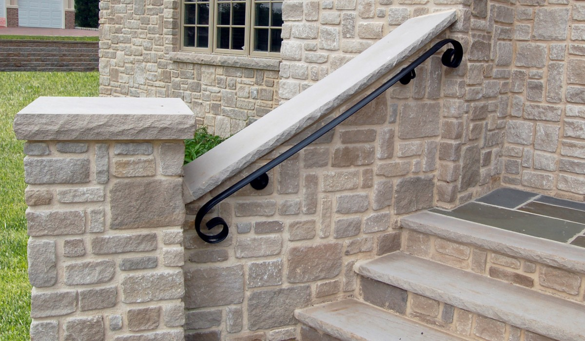 Indiana Limestone Wall Cap with Splitface Veneer